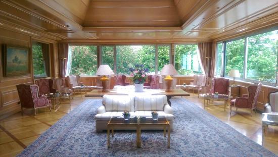 Hotel Colombi : stilvoller Saal in der ersten Etage