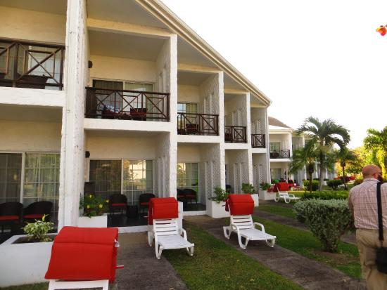 Coyaba Beach Resort: A section of rooms in the hotel