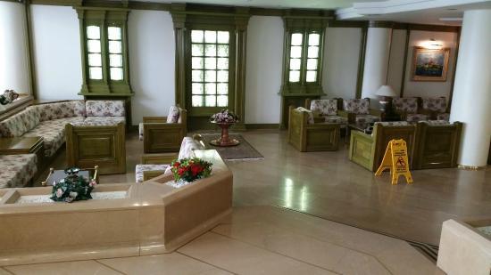 Istanbul Royal Hotel: salotto ben comodo