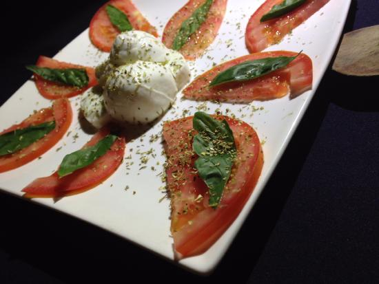 Dolce Vita : Caprese with buffalo mozzarella