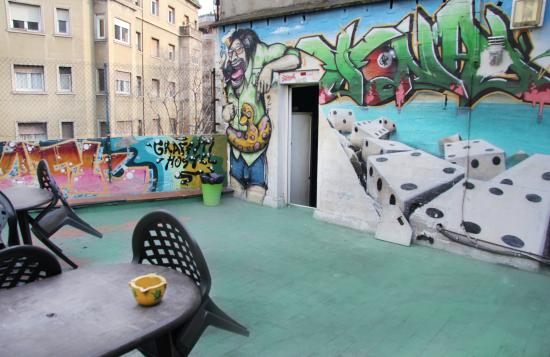 Graffiti Hostel: Roof Top Sun Terrace