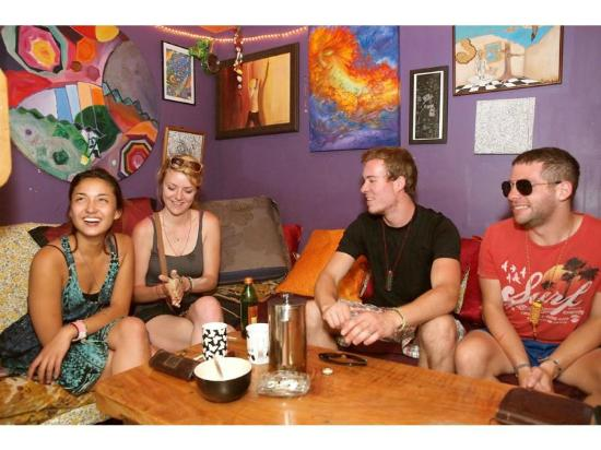 The Palace Backpackers: Enjoy freshly ground coffee and tea all day!