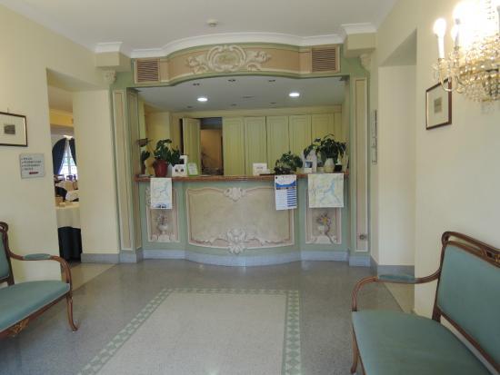 Lario Hotel: hall