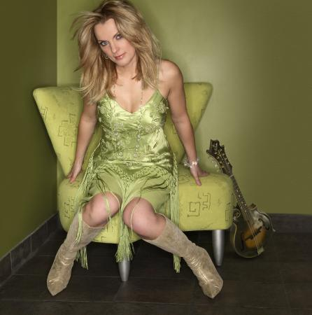 Highlands, NC: Bluegrass: Rhonda Vincent, June 28, 2015  7pm