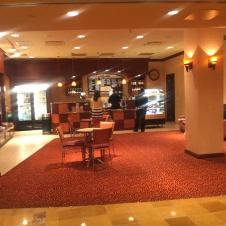 Embassy Suites by Hilton San Marcos - Hotel, Spa & Conference Center: Coffee and shop