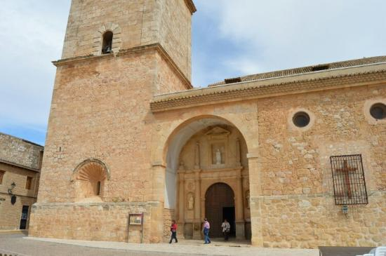 El Toboso, Ισπανία: VISTA GENERAL DE LA FACHADA PRINCIPAL,MAYO-2015