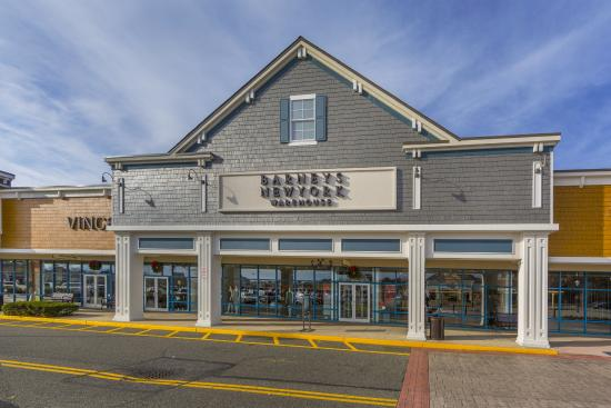Very Good Selection Of Home Goods And Tanger Outlets United States New York Ny Long Island