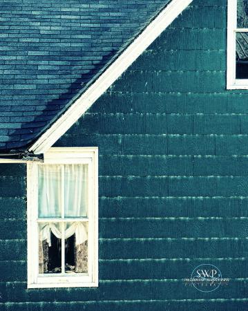 Blue Door Inn: view of outside