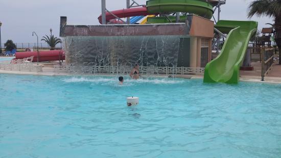 Agua gym obr zek za zen alegria colonial mar roquetas for Hoteles con piscina en almeria