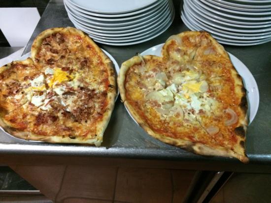 Pizzeria L'Antica Napoli: Pizza en forma de corazón