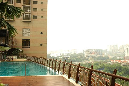 Swimming Pool Picture Of The Gardens Hotel Residences Kuala Lumpur Tripadvisor