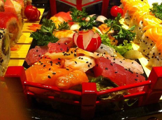 Aki sushi hasselt japanese restaurant botermarkt 17 in for Aki japanese cuisine