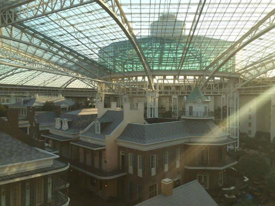 What Is The Cheapest Room In Opryland Hotel