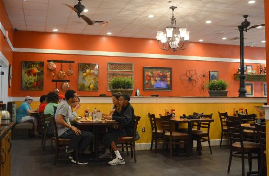 Another Broken Egg Cafe Charlotte Southpark Main Dining Area