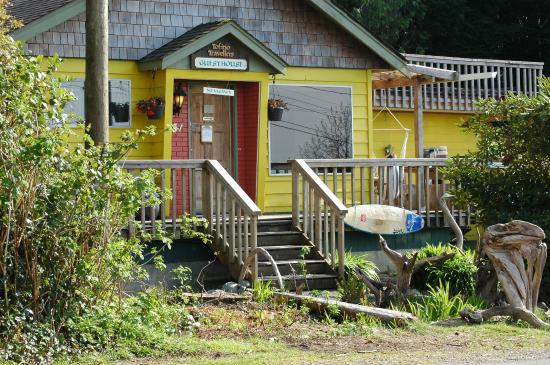 Tofino Travellers Guesthouse: At first sight