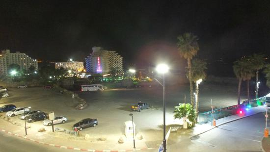 Hotel Aviv: A view from my room after dark