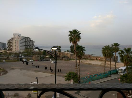 Hotel Aviv: A view towards twilight