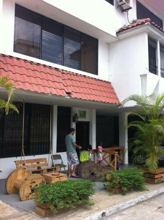 Hostal Casa Areka: Fachada principal