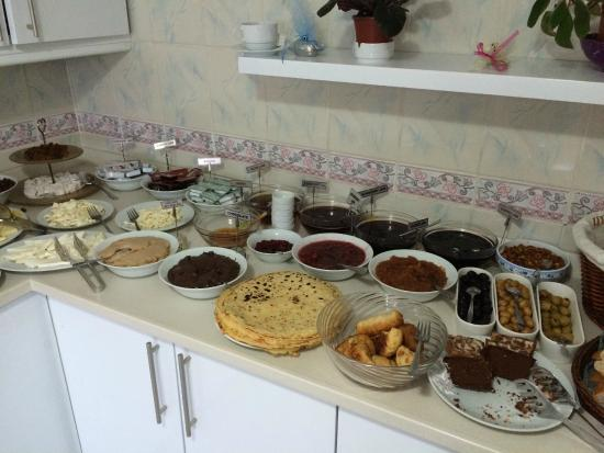 Marmara Guesthouse: Breakfast spread