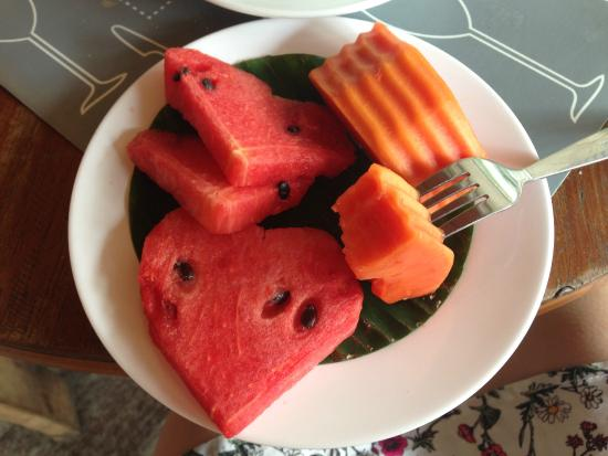 Parasol Hotel Chiang Mai by Compass Hospitality: The fruit that came with breakfast