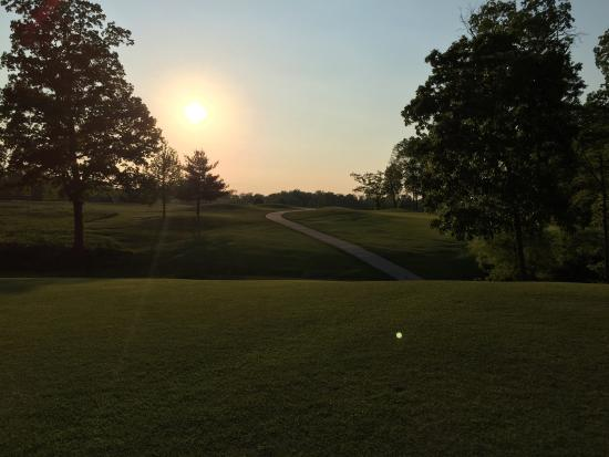 Hickory Ridge Public Golf Center
