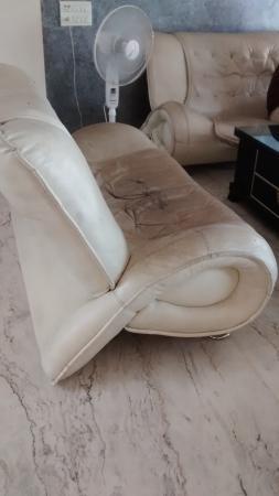 Hotel Aristro & Zo Rooms: sofa in the reception