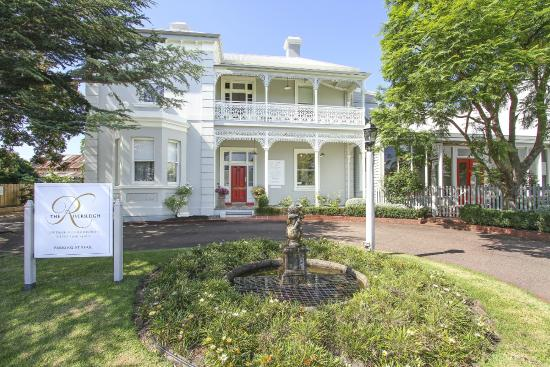 The Riversleigh: Front of property