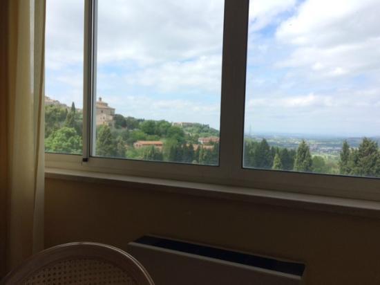 Hotel Tuder : vista dalla sala del ristorante