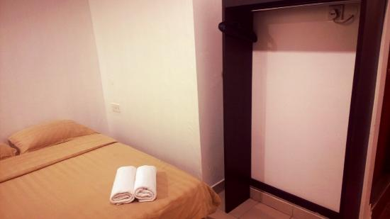 Place2Stay at City Centre: TOT Room 201
