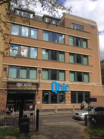 Qbic cube picture of qbic hotel london city for Qbic london