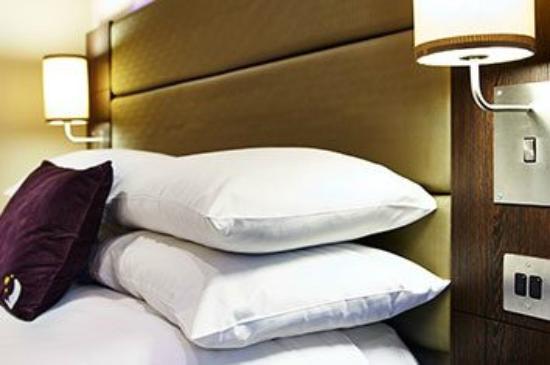 Premier Inn Basildon (Festival Park) Hotel: Bedroom