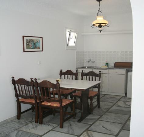 Adonis Hotel & Apartments: Cucina