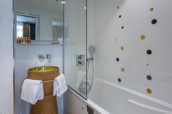 hotel les bulles de paris prancis review hotel perbandingan harga tripadvisor. Black Bedroom Furniture Sets. Home Design Ideas