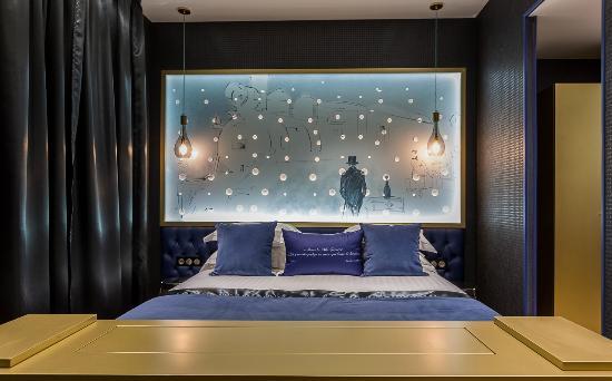 suite picture of hotel les bulles de paris paris tripadvisor. Black Bedroom Furniture Sets. Home Design Ideas
