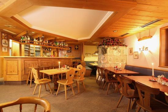 """Hotel Am Moosfeld: Restaurant """"Kaminstube"""""""