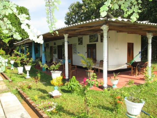 Village Garden Inn Bed & Breakfast