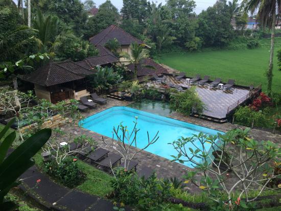 Cempaka Belimbing Villas: View of the pool / spa area