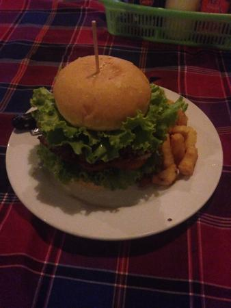 Veggie Tables : The Pumpkin Burger looks GREAT but, it tasted like 5H1T - deep fried in oil which tasted at leas