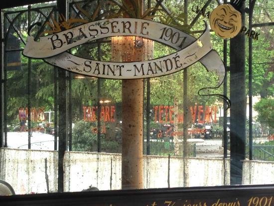 joli miroir photo de brasserie 1901 saint mande saint mande tripadvisor. Black Bedroom Furniture Sets. Home Design Ideas