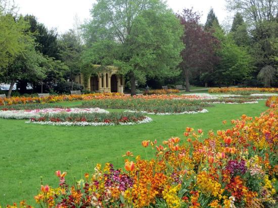 Jephson Gardens: park grounds