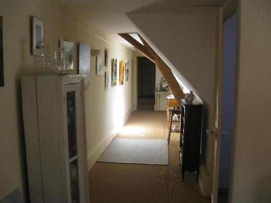 Le Cloître : accès aux chambres