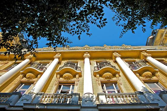 Guest House Riviera: Neo-baroque building
