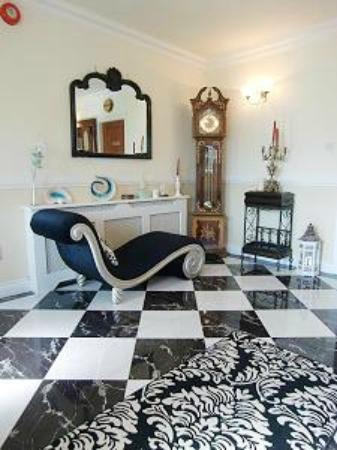 Eden Hill House : Hallway