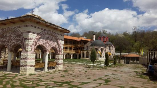 Giginski Monastery (Tsarnogorski Monastery)