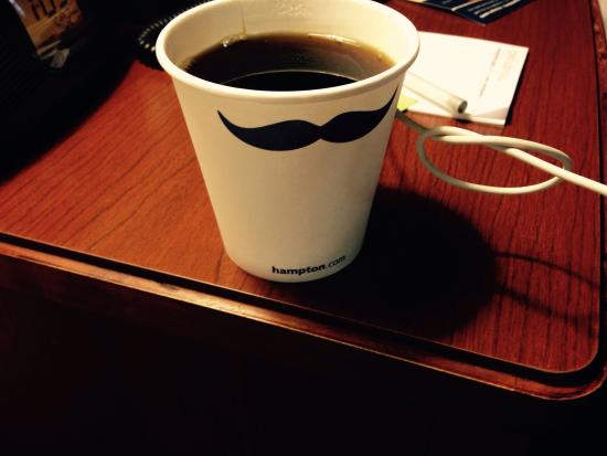 Hampton Inn & Suites Colorado Springs/I-25 South: And you get these cute cups for your coffe!