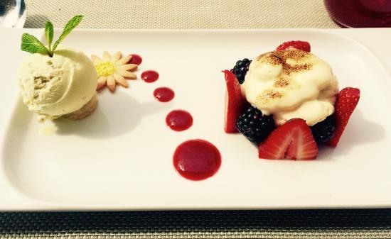 JW Grill Cannes: Une dessert sur le fruit et le mascarpone