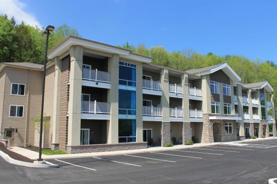 Crystal Springs Inn and Suites