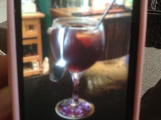 The Little Tavern : Yum best sangria