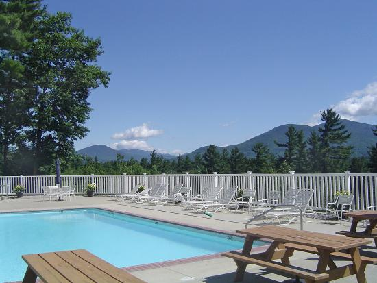 White Mountain Hotel and Resort : Summer Pool