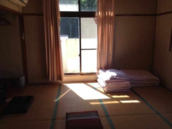 Nagisa: シンプルなお部屋